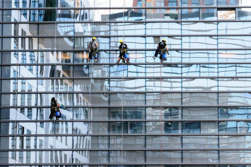 szkło hartowane w budwonictwie