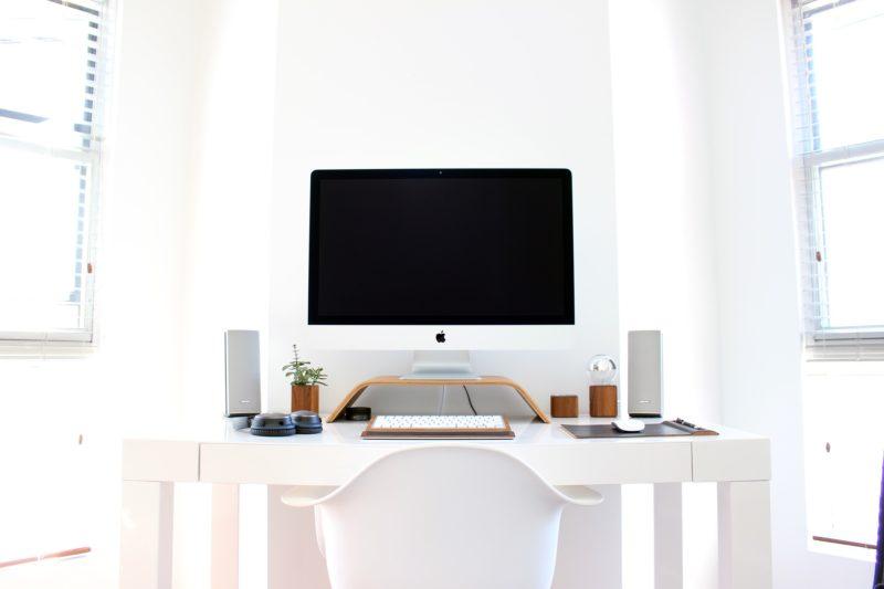 pracuj pięknie, biurko w domu