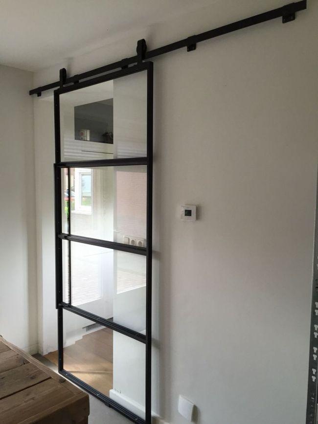 Szklane drzwi przesuwne w domu
