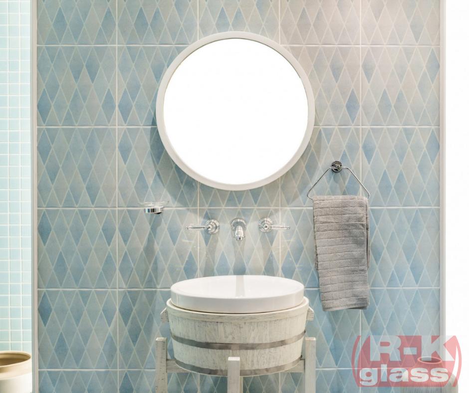 Okragłe lustro na wymiar w łazience